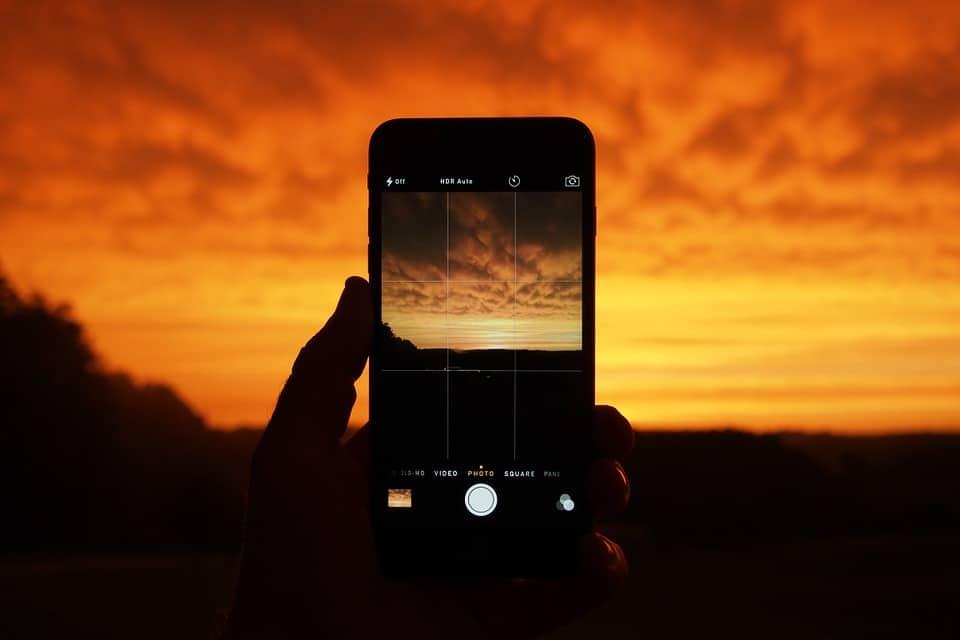 photo of a smart phone camera app
